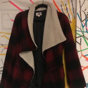 Tartan Overcoat with Belt Closure in Women's Large